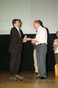 Fabio Civitelli recebendo o troféu Balanito