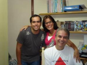 Paulo Guanaes, seu filho Rafael e sua esposa Luciana