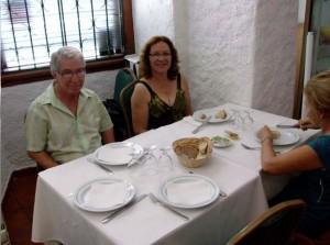 Marcos Maldonado e Dolores Maldonado à mesa